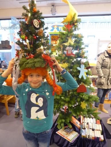Geschichte Vom Weihnachtsbaum.Pippi Langstrumpf Feiert Weihnachten Stadt Butzbach