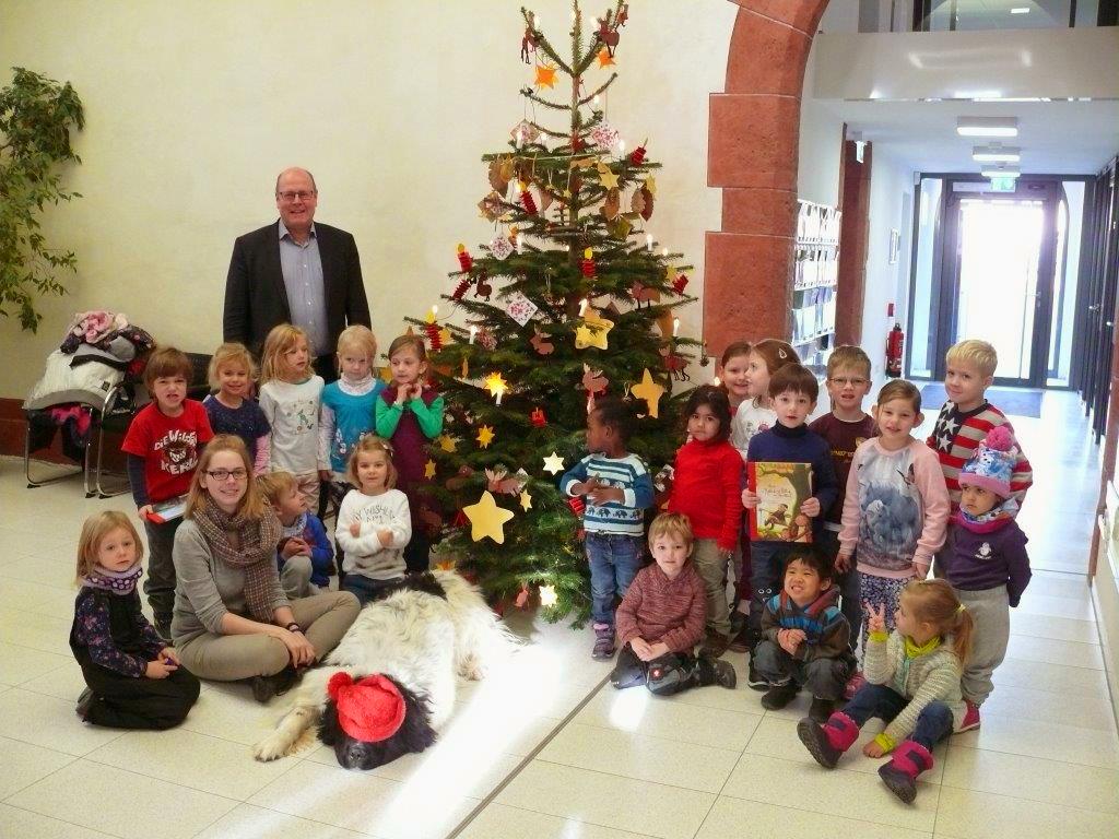 weihnachtsbaum-schmuecken2016